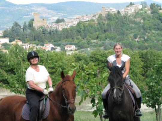 Medieval Castle Tour of Tuscany
