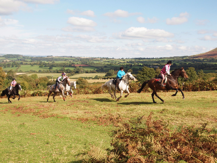 Top 10 UK Riding Breaks For Families